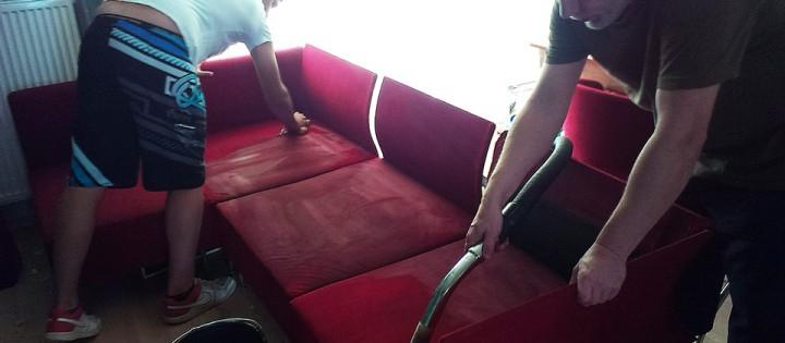 Čištění čalounění z barevné sedací soupravy Svitavy